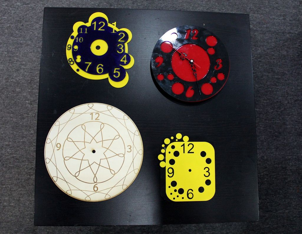 Beautiful Wall Clock Vector for cnc router or laser Free CDR Vectors Art