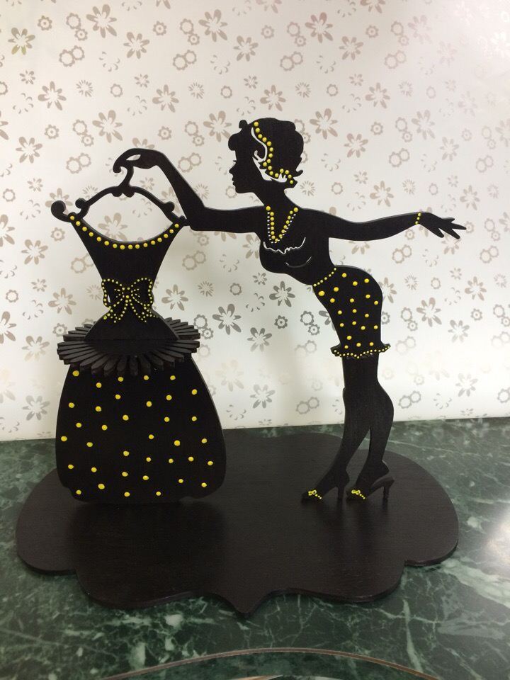 Laser Cut Napkin Holder Lady With Dress 3d Puzzle Free CDR Vectors Art