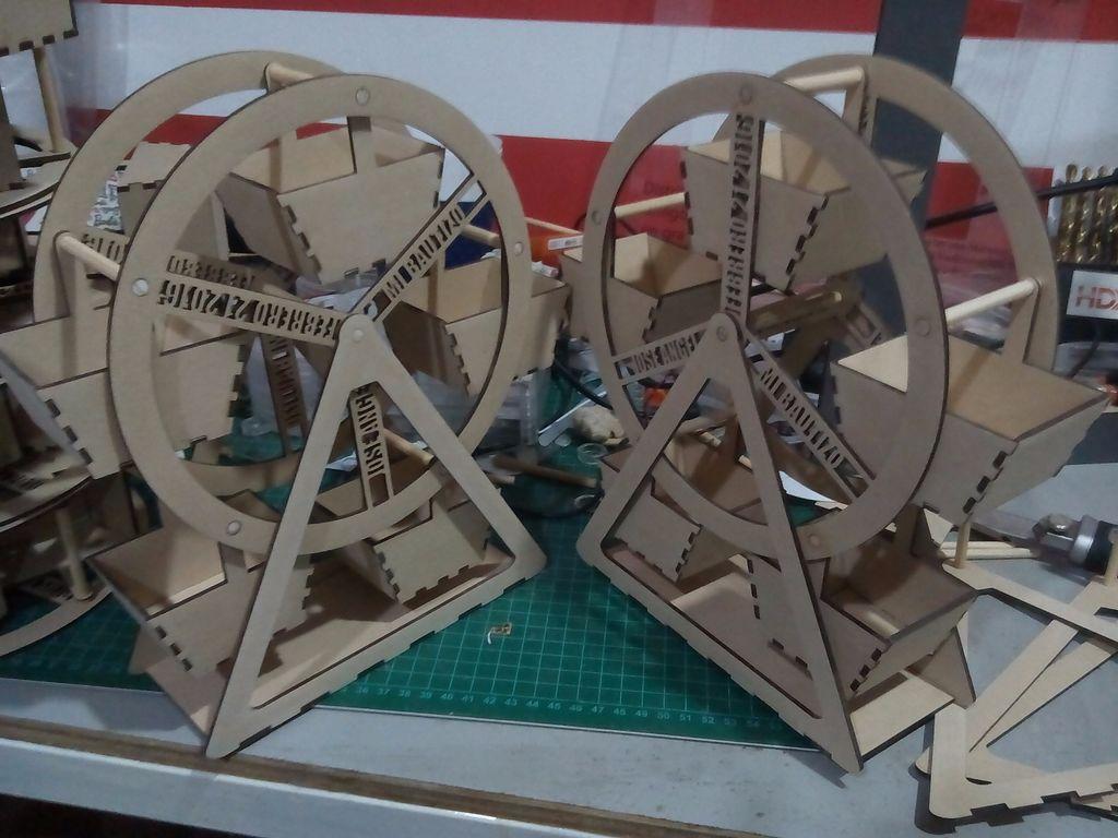 Ferris Wheel Pair Laser Cut 3d Puzzle Free DXF File