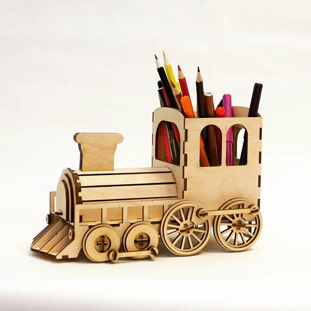 Laser Cut Steam Locomotive Pen Organizer With Piggy Bank Free CDR Vectors Art