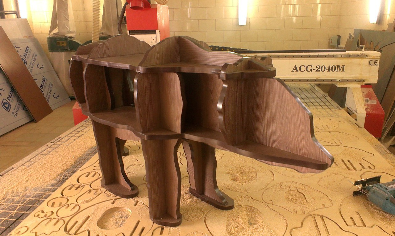 Bear Table ldsp16-5mm Free CDR Vectors Art