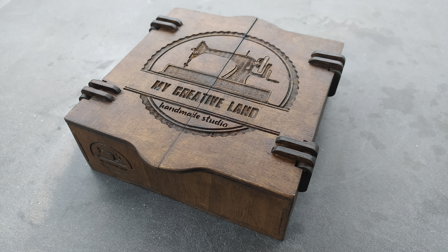 Laser Cut Wooden Hinged Box 150x150x50 Free DXF File