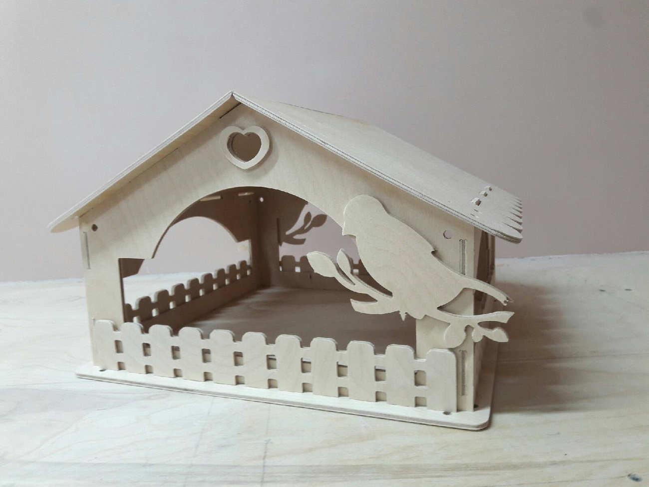 Wooden Bird House Bird Feeder Free DXF File