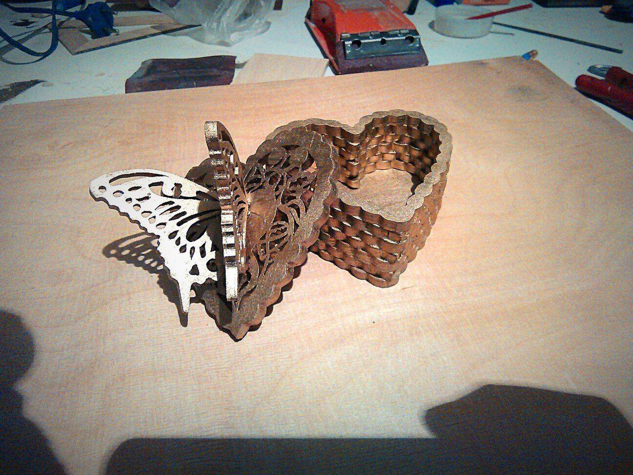 Fancy Butterfly Heart Box Free DXF File
