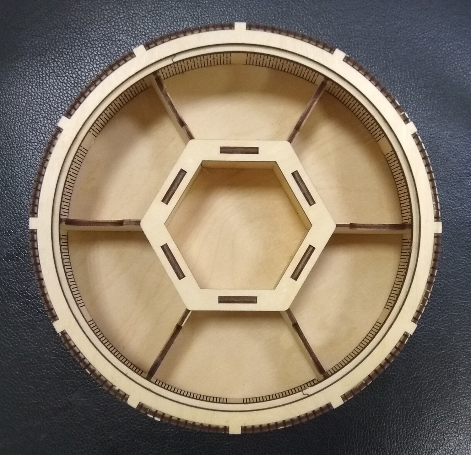 Laser Cut Wooden Round 7 Compartment Box Candy Basket With Lid Free CDR Vectors Art