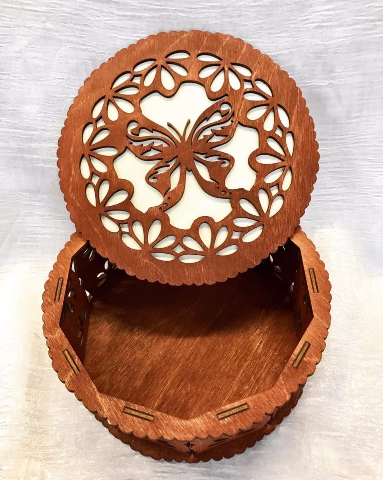 Decorative Butterfly Design Round Box Laser Cutting Template Free CDR Vectors Art