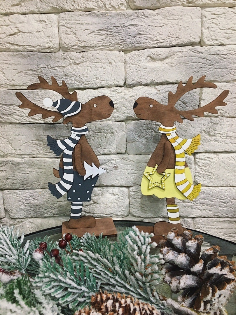 Laser Cut Christmas Deer Standing On A Stand Free CDR Vectors Art