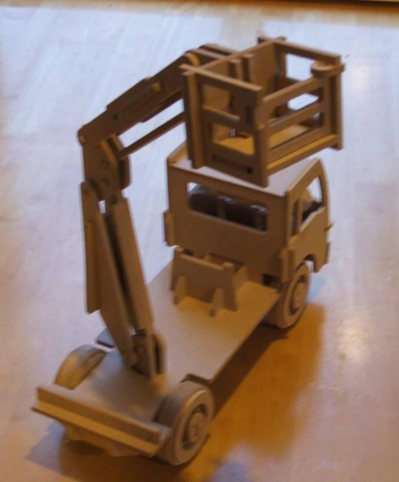 Wooden Cherry Picker Truck Kids Toy Truck Mounted Aerial Work Platform Free DXF File