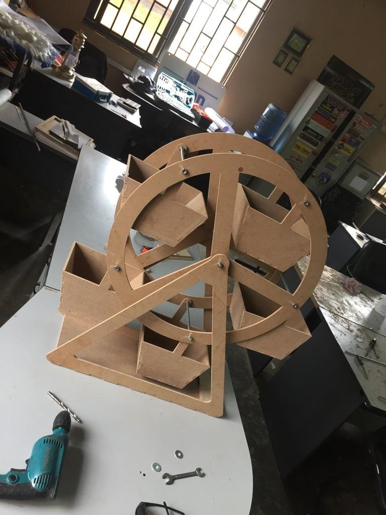 Laser Cut Ferris Wheel 3mm Free DXF File