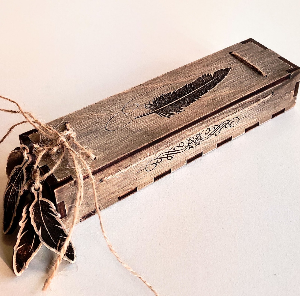 Laser Cut Decorative Wooden Pen Gift Box With Engraving Free CDR Vectors Art
