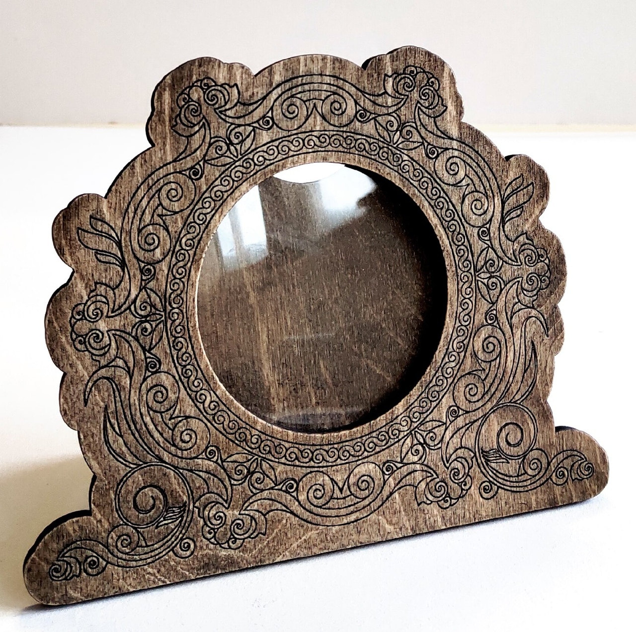 Laser Cut Round Wooden Photo Frame Decorative Engraved Free CDR Vectors Art