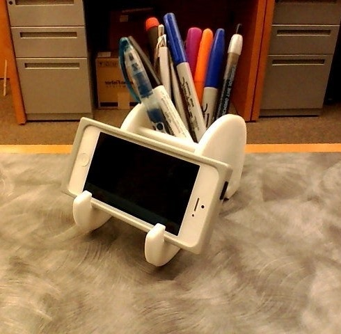 Laser Cut Elephant Phone Stand And Pen Holder Free DXF File