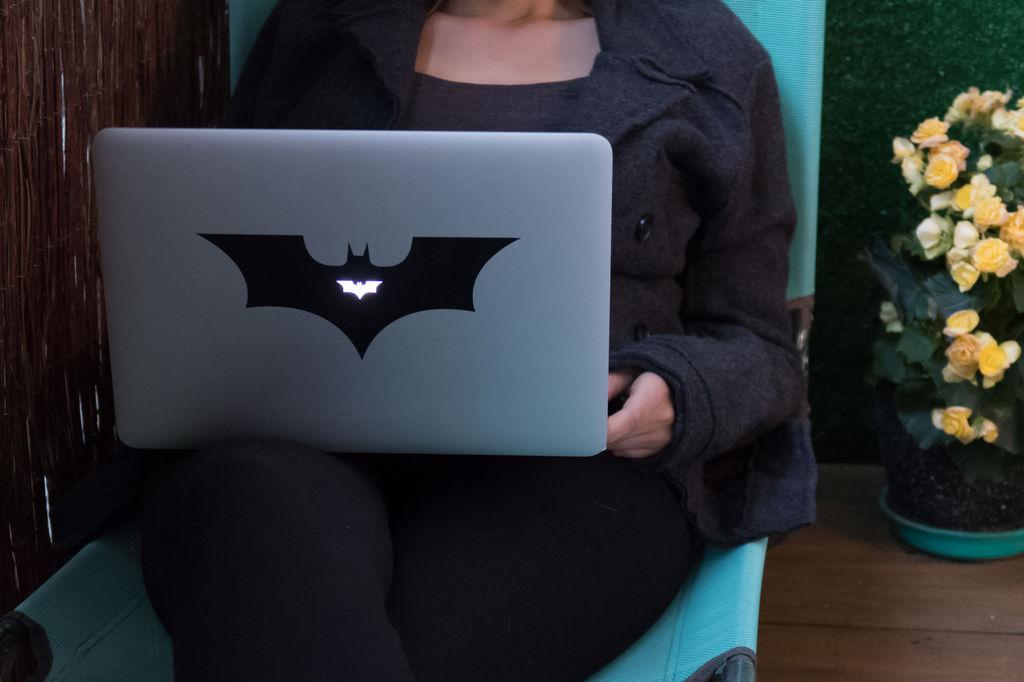 Laser Cut Laptop Sticker Bat 20×8 8cm Free DXF File