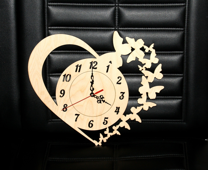 Butterfly Clock Free CDR Vectors Art