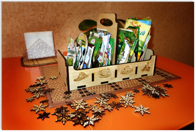 Laser Cut wooden Spice Box snowflakes Free CDR Vectors Art