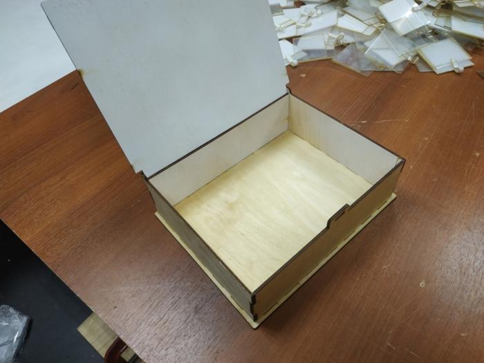 Wooden Box With Lid 4mm Free CDR Vectors Art