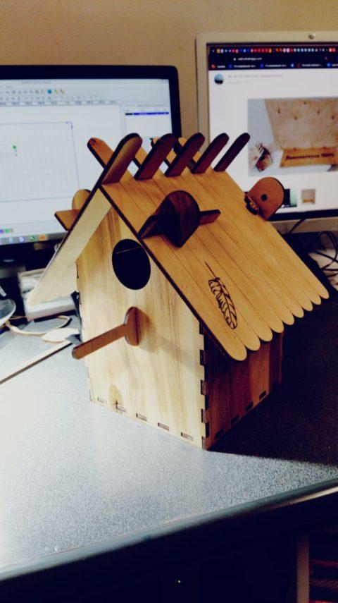 Laser Cut Slat Roof Wood Birdhouse Free CDR Vectors Art