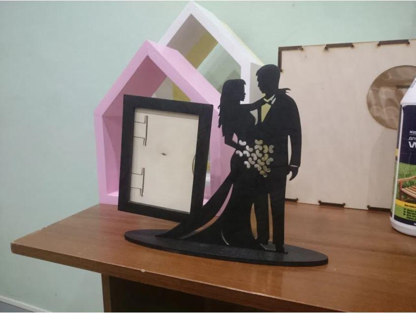 Laser Cut Valentine Couple Photo Stand Free CDR Vectors Art