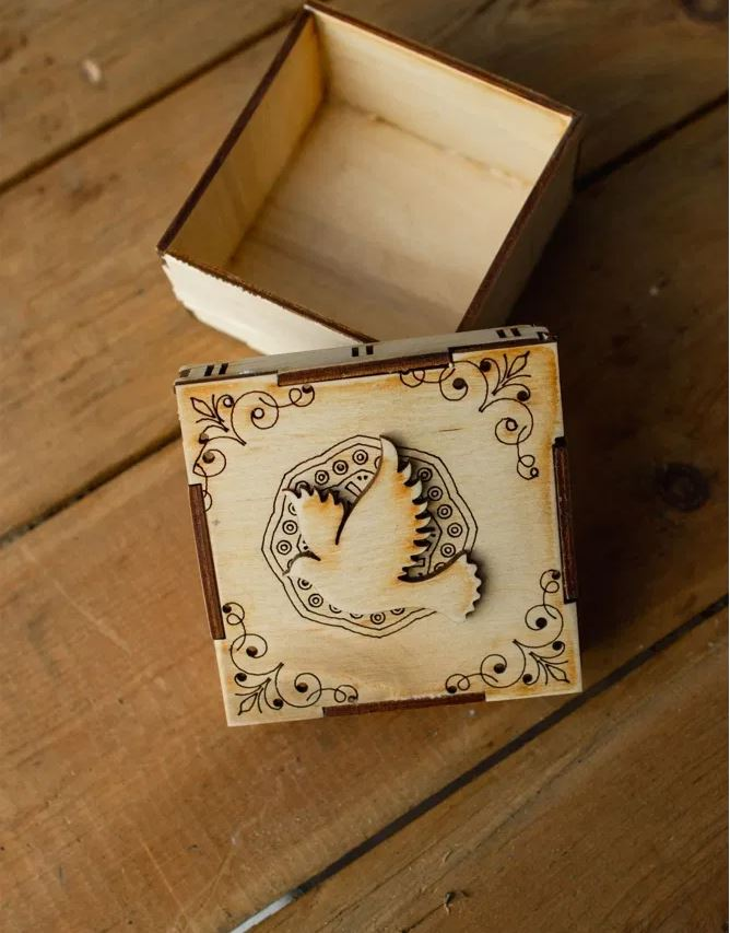 Decorative Laser Engraved Gift Box Jewelry Box Free CDR Vectors Art