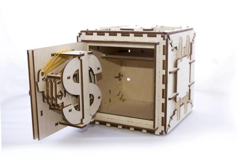Laser Cut Safe Box Free CDR Vectors Art