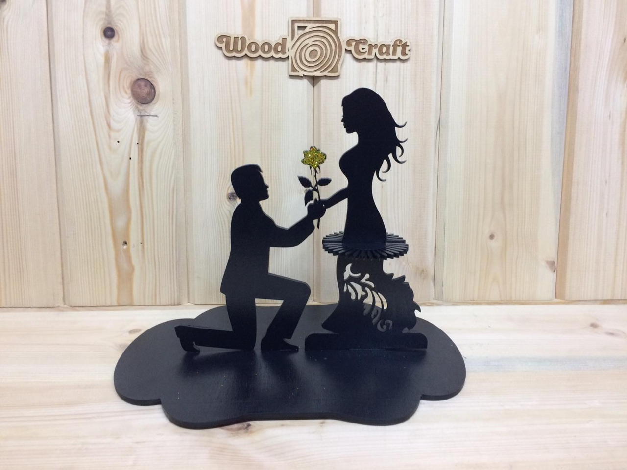 Couple Napkin Holder With Flower Free CDR Vectors Art