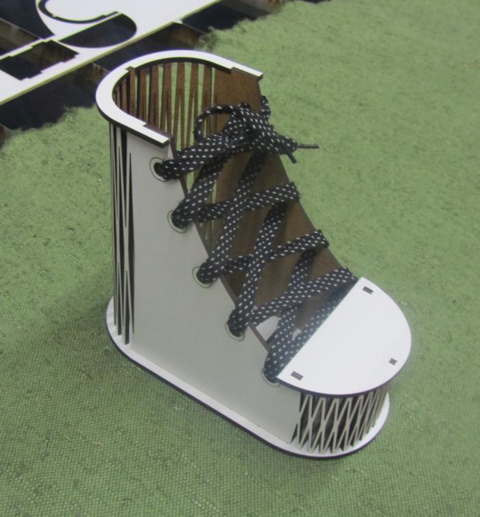 Laser Cut Shoes Pen Holder Free CDR Vectors Art