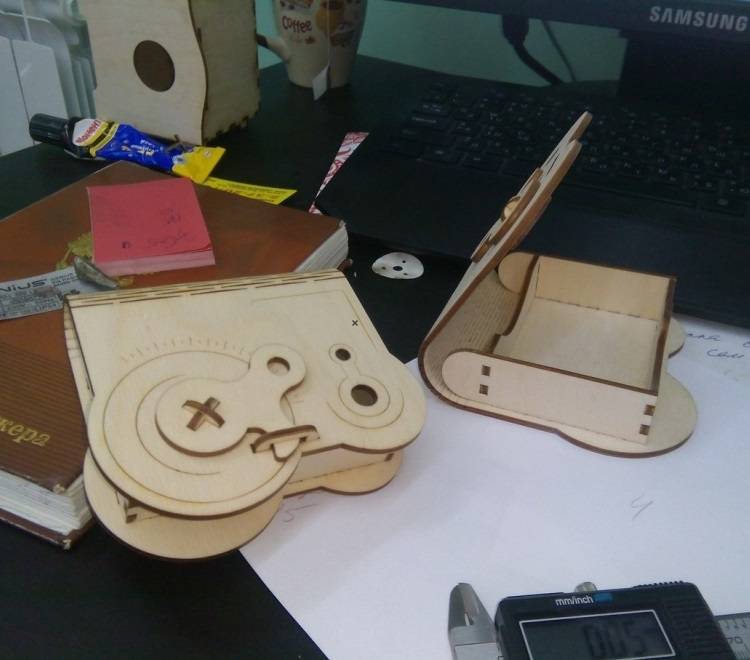 Laser Cut Wooden Box With Rotary Latch Free CDR Vectors Art
