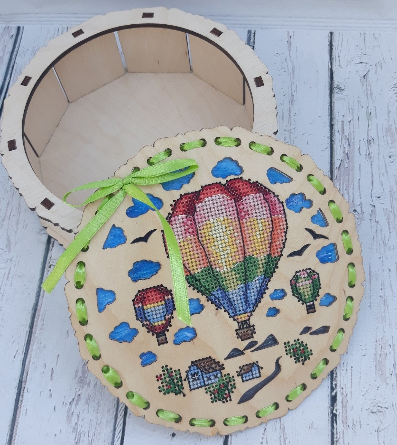 Wooden Decorative Embroidered Box For Laser Cut Free CDR Vectors Art