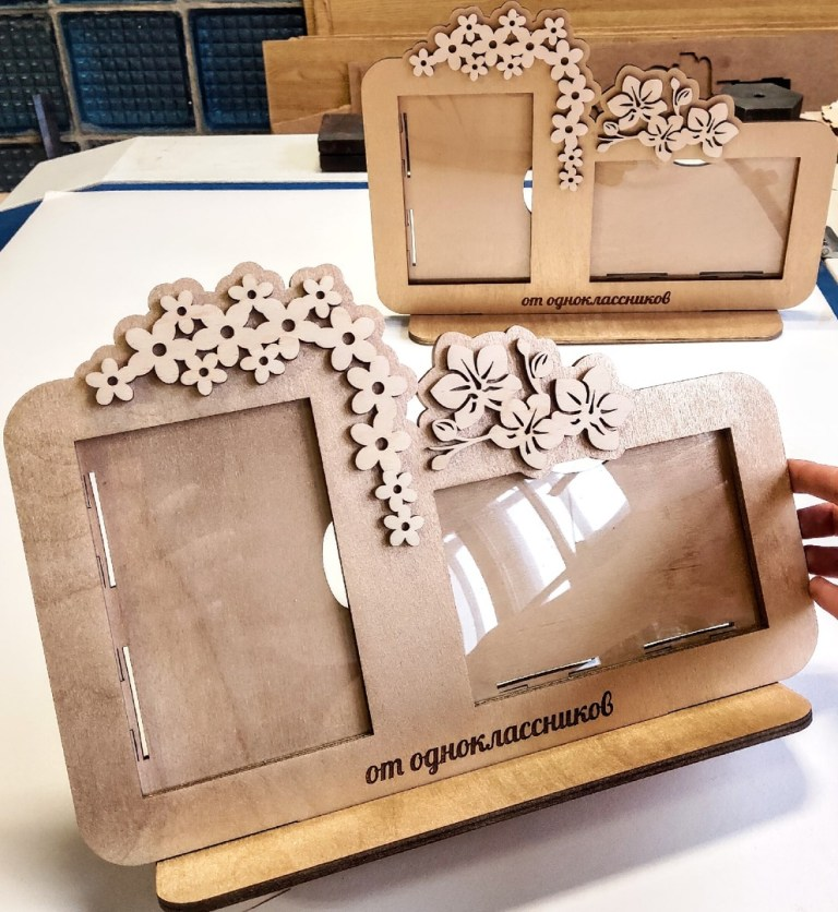 Photo Frame With Flowers For Laser Cutting Free CDR Vectors Art