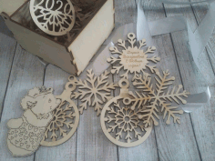 Laser Cut Wooden Box With Snowflake Toys 100x100x75mm Free CDR Vectors Art